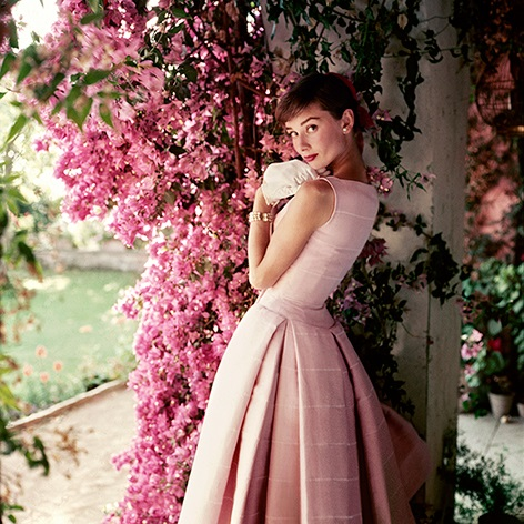9-22-4-23.46.Audrey-Hepburn_Glamour_Dec-1955--C_Norman-Parkinson-Archive_Iconic-Images_web_res