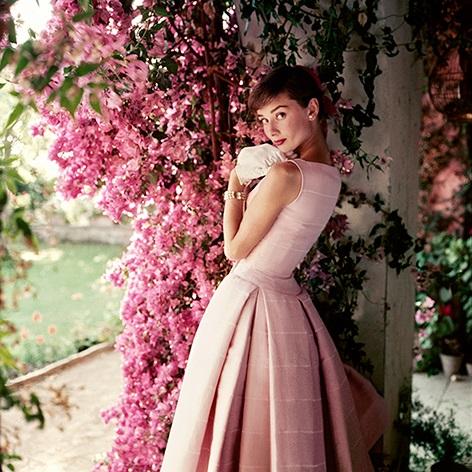 9-22-4-23.46.Audrey-Hepburn_Glamour_Dec-1955--C_Norman-Parkinson-Archive_Iconic-Images_web_res